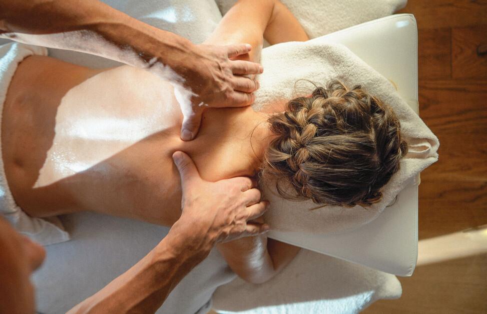 Wunderbare Massagen im Wellnessurlaub in Bayern genießen