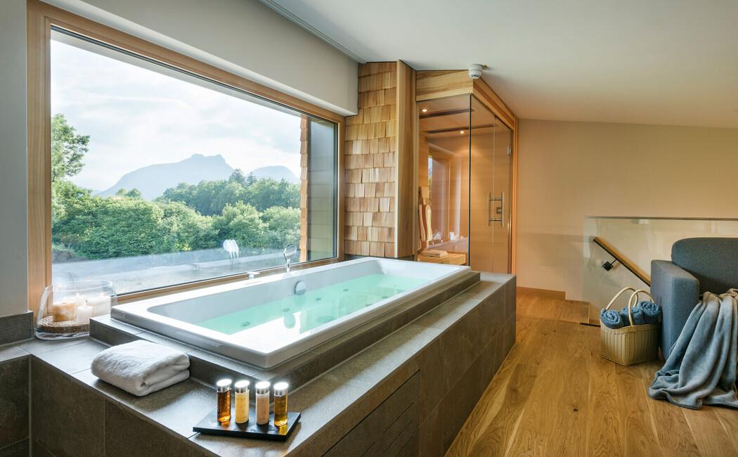 SPA-Loft Zimmer mit Whirlpool und Sauna - perfekt für Ihre Flitterwochen in Bayern