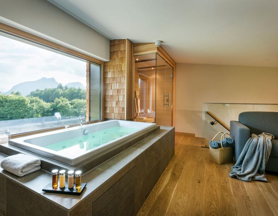 Whirlpool im Zimmer in den exklusiven SPA-Suiten im Wellnesshotel Klosterhof