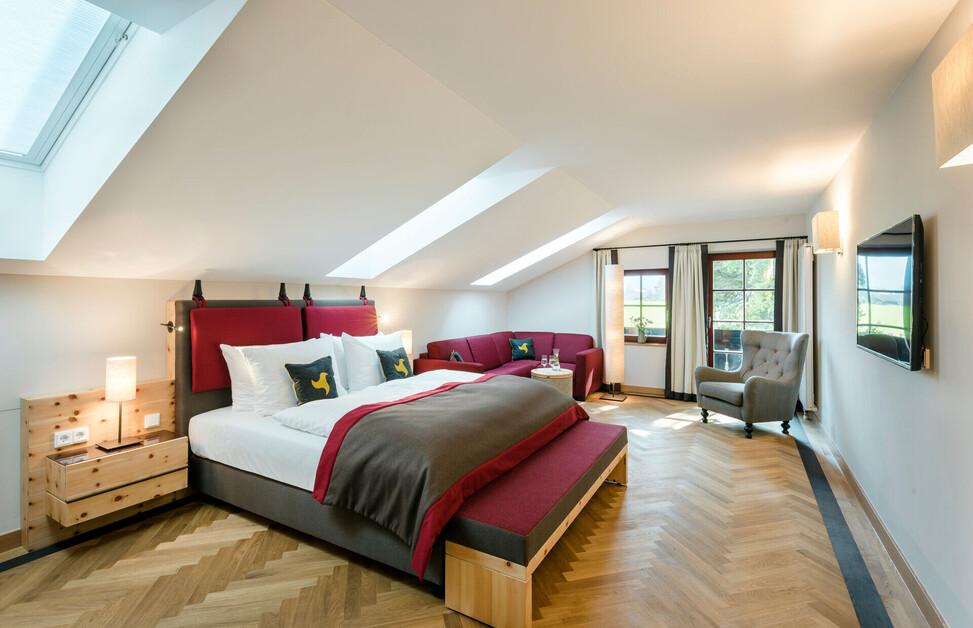 Gemütliches Doppelzimmern mit Panoramablick, Balkon und Holzboden im Hotel Klosterhof