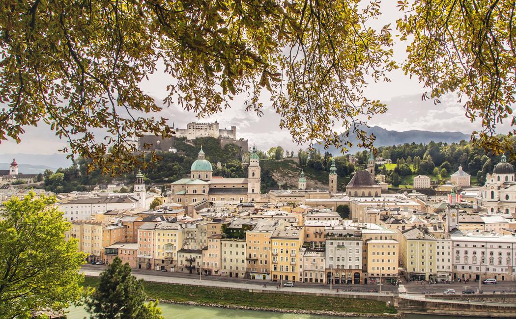 Blick auf die Festspielstadt Salzburg
