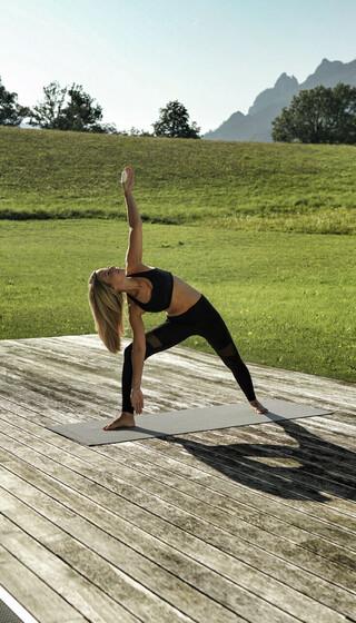 Yoga im Freien - was gibt es schöneres im Wellnessurlaub zu erleben!